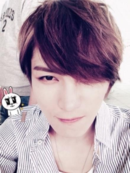 akun LINE resmi JYJ, kemarin Jaejoong meninggalkan pesan dan foto ...