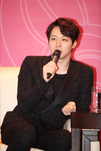 150207ParkYoochuninBeijing_zpsa0ec1849